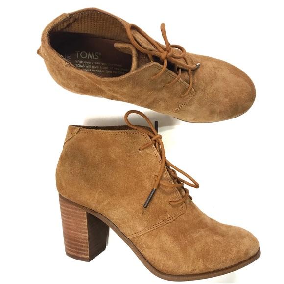 9a6ddab974b TOMS Suede Block Heels Lace-up Ankle Boots Sz 8. M 5ad2d6658af1c587e2ff4eb2